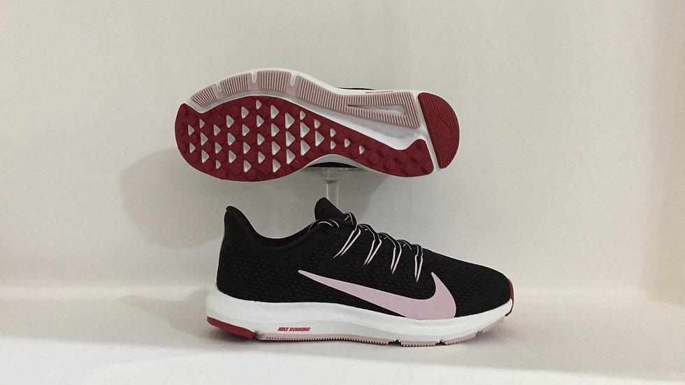 Tenis Nike Quest
