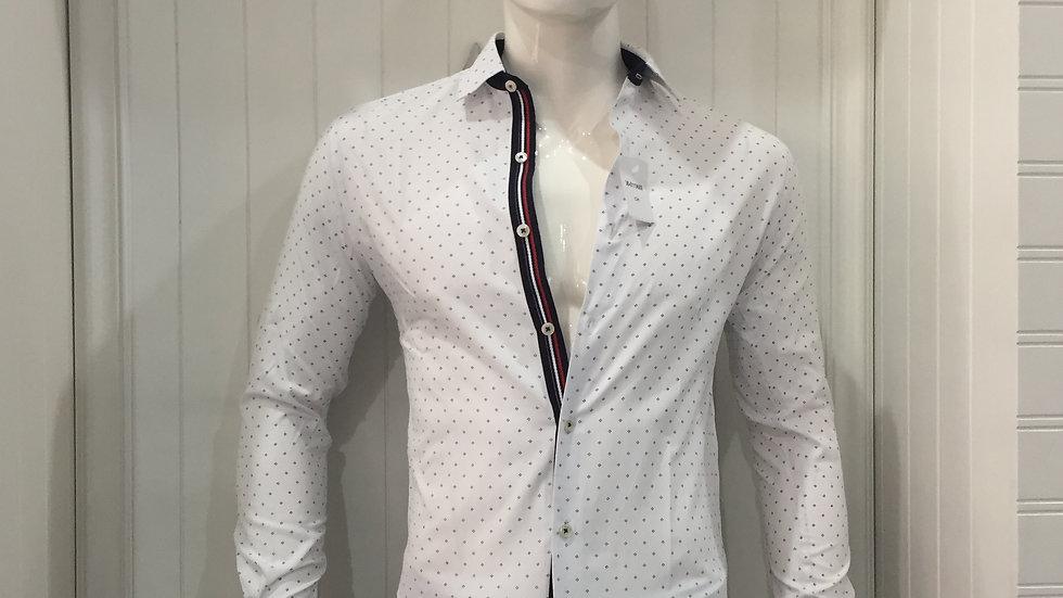 Camisa Nauttish 50% algodón 50% poliester, Entretela Holandesa 100% algodón.