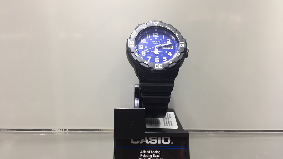 Casio 3-Hand Analog Rotating Bezel Day / Date Display 100m Water Resistant.