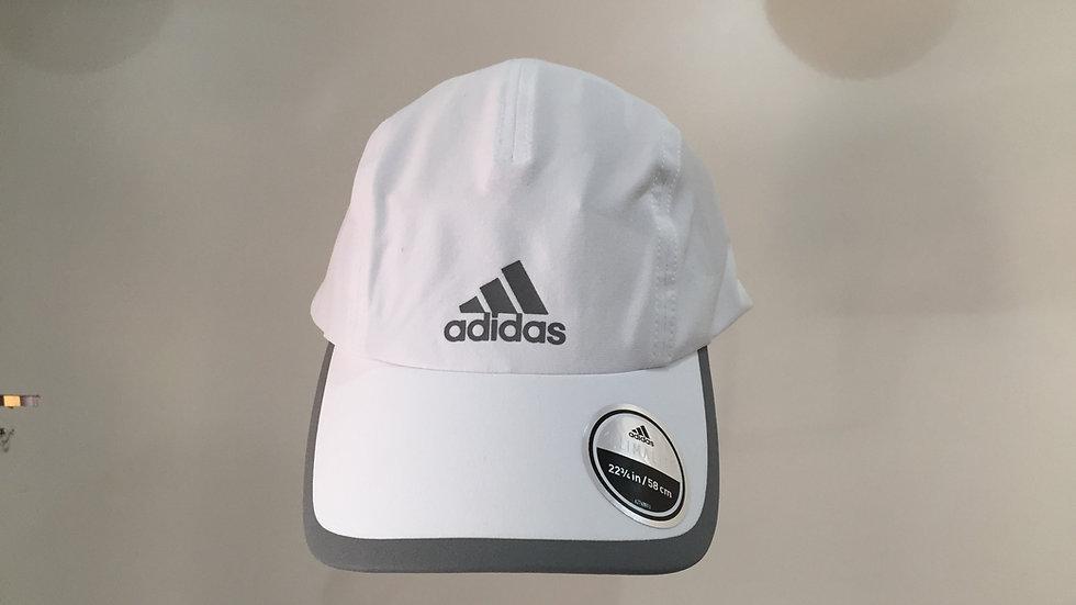 Gorra adidas logo reflactivo 90% poliester 10% Spandex