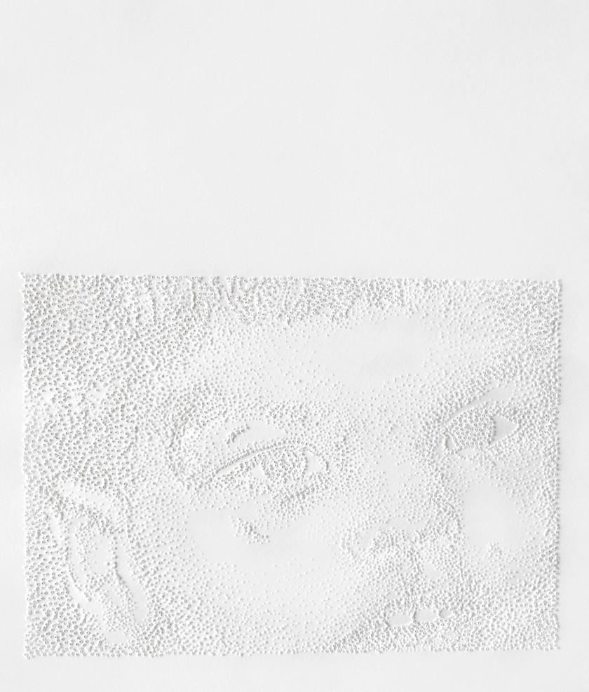 Perforaciones en papel, 23 x 20 cm, 2009.