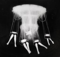 Carrusel de las ánimas perdidas, lápiz y óleo sobre papel mylar, 84x90cm,2020