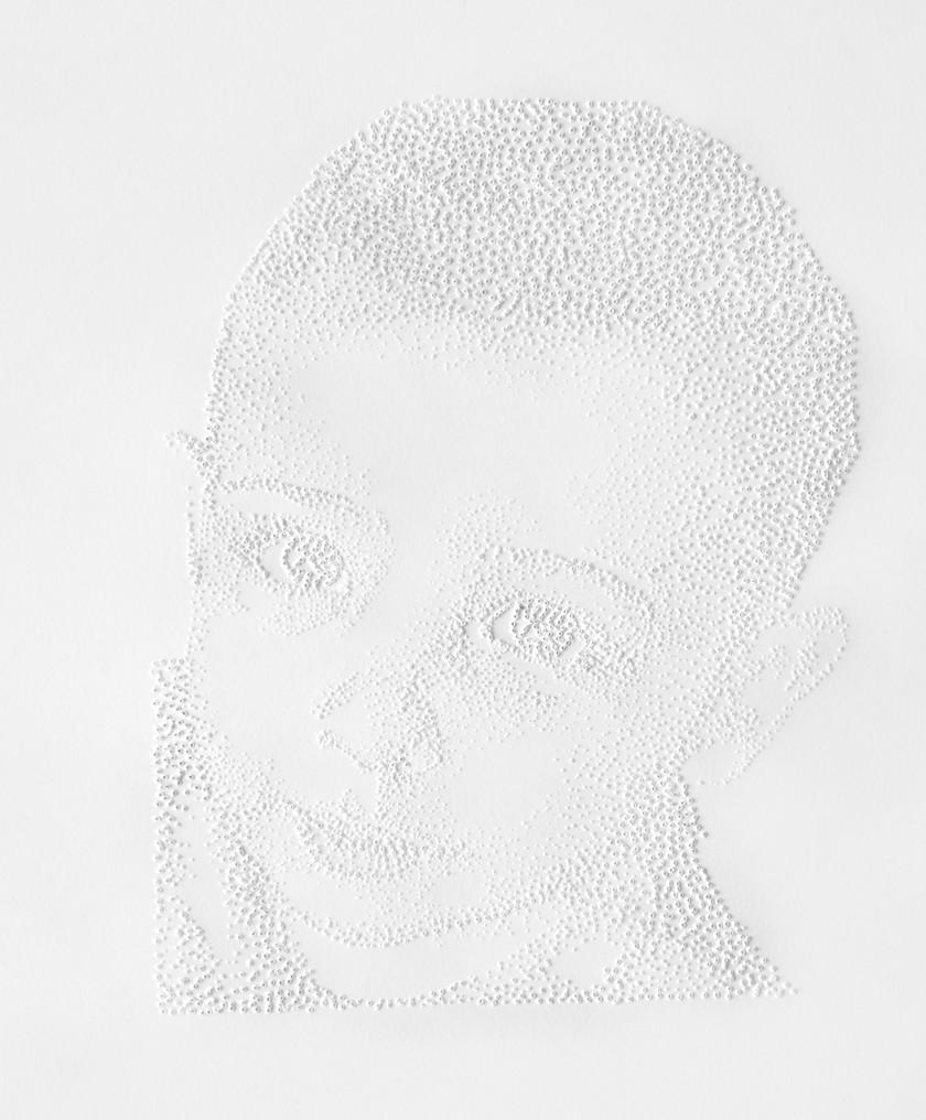 Perforaciones en papel, 22 x 20 cm, 2009.