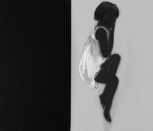 Lápiz y delineador de ojos sobre papel mylar, 14 x 17 cm, 2017.