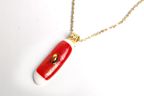 Red and white white pendant