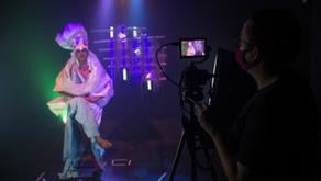Festival reúne performance drag, arte e música online para falar sobre identidade(s)