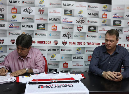 Pacaembu Construtorarenova patrocínio comBotafogo Futebol Clube.