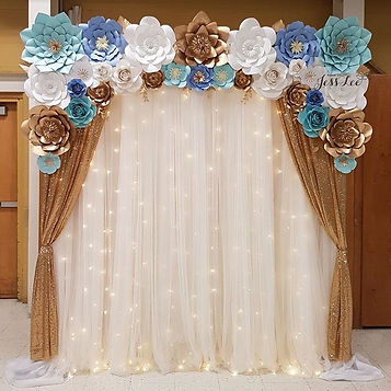 A golden baby shower backdrop 💙_I used