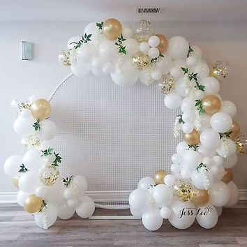 Round backdrop with balloons for a lovel