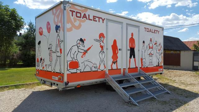 Toaleta mobilna | Postaci