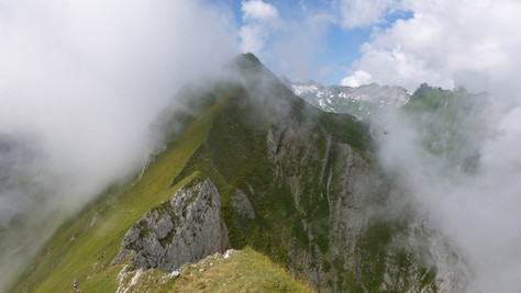 Marwees (2056 m)