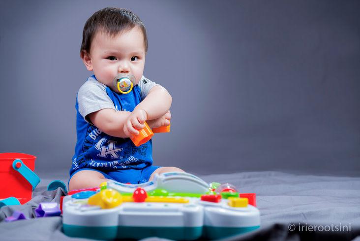 Baby-boy-strike-pose-studio-photography-