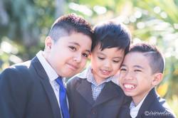 Photographer-Schofields-Three-Siblings-Outdoor-Portrait