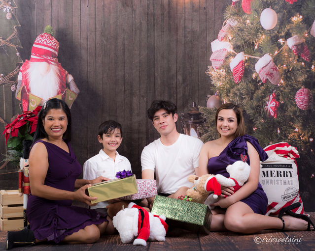 Christmas Mini Session - Sydney-8.jpg