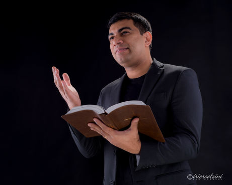 Pastor Headshots-Sydney-2.jpg