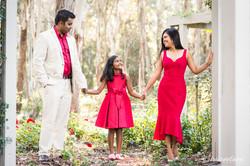 Photographer-Glenmore-Park-Outdoor-Family-Portrait-Photography