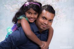 Photographer-Ropes-Crossing-Father-Daughter-Portrait