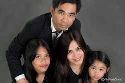 Photographer-Caddens-Studio-Family-Portrait