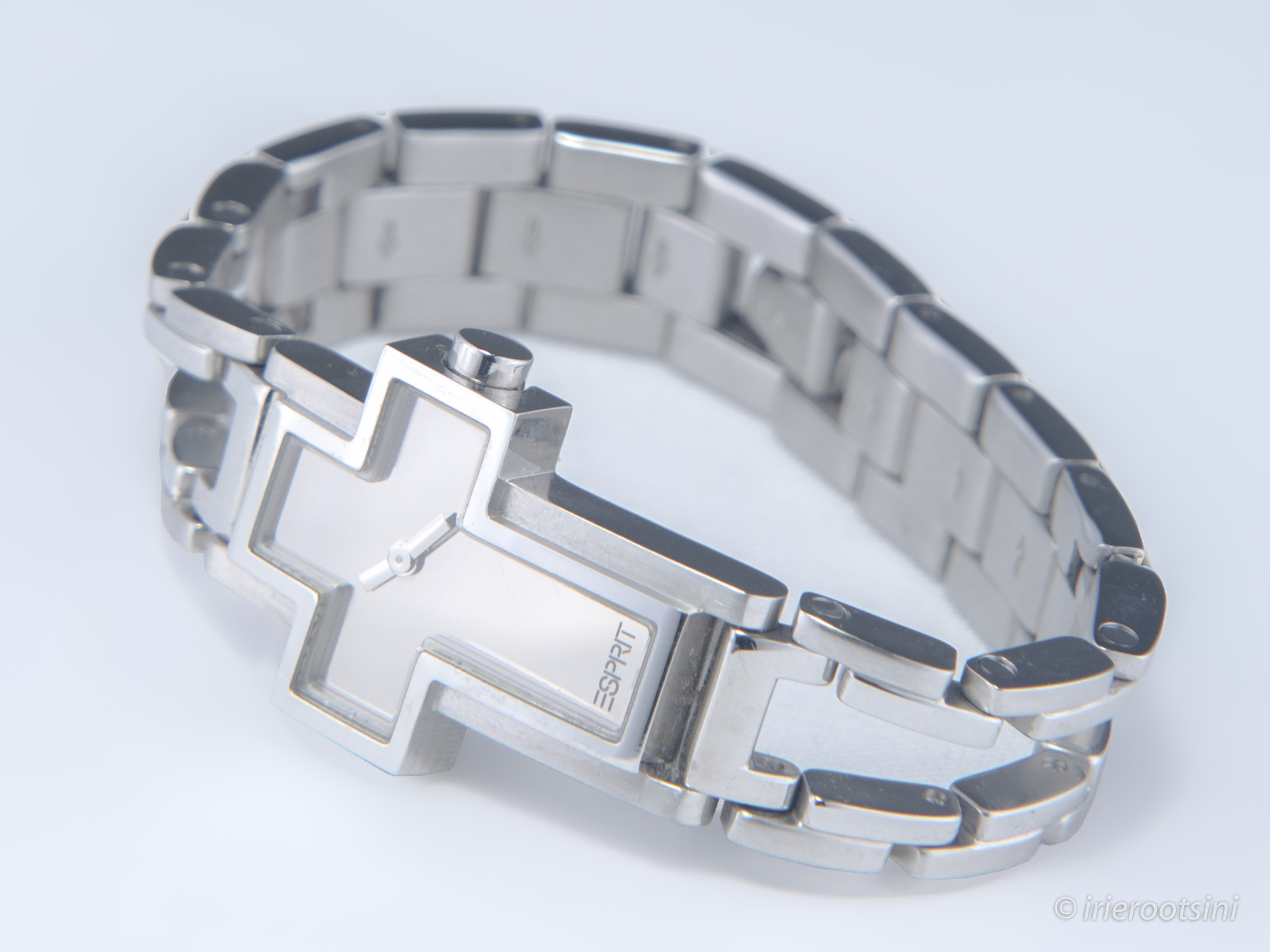 Silver-Watch-Product-Photography-Macquarie-Park