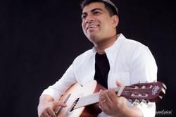 Headshots-Box-Hill-NSW-Guitar-Artist