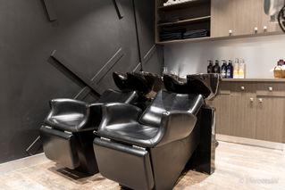 shampoo-chair-natural-lighting-interior-shot-Website-Photographer-Guildford-2.jpg