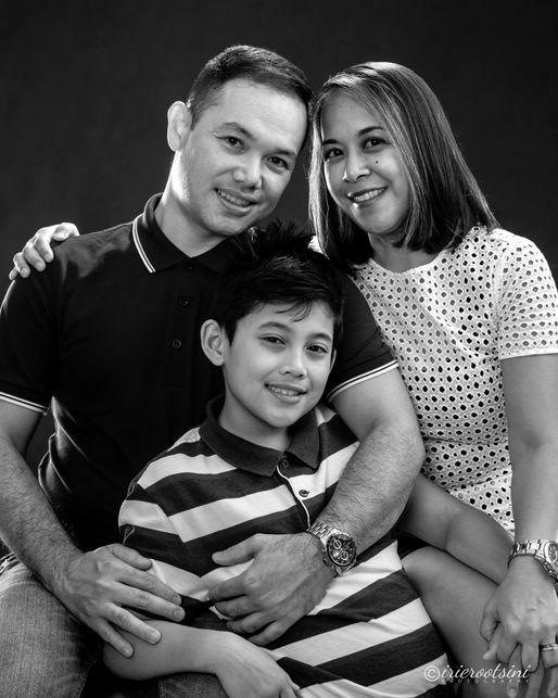 Family Portrait - Kellyville-2.jpg