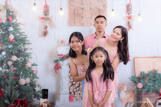 Christmas Mini Session - Blacktown-7.jpg