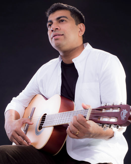Guitarist Headshots-Sydney-1.jpg
