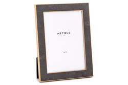 Product-Photography-Mount-Druitt-Decorative-Picture-Frame