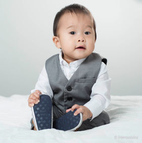 baby-boy-grey-suit-photoshoot-the-ponds.