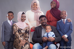 Photographer-Melonba-Studio-Family-Portrait
