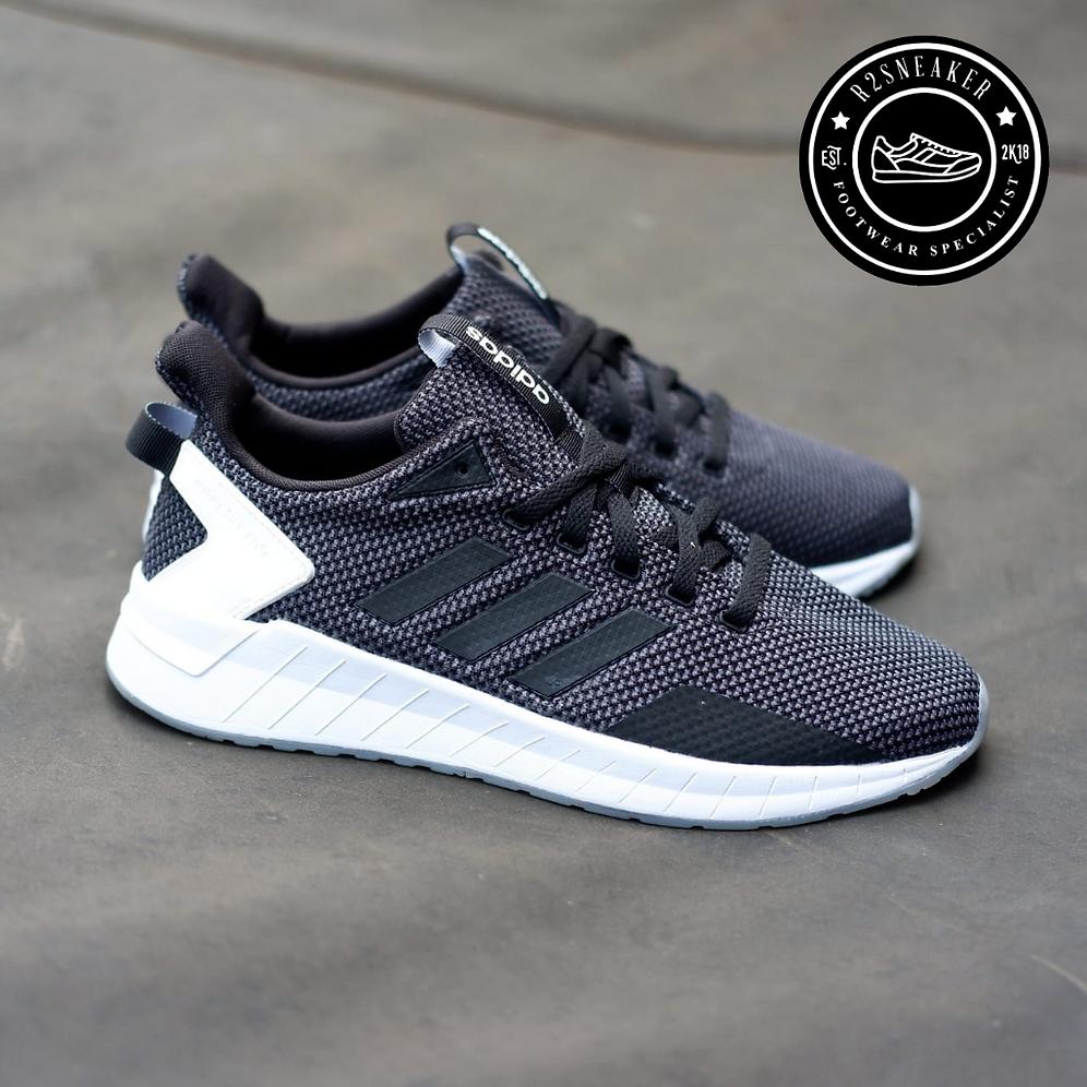 brand new ee5a2 70dd5 Adidas Questar Ride Black Carbon White Clear Sole