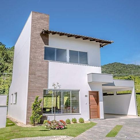 Casas a Venda  - Residencial Village dos Ipês em Balneário Camboriú
