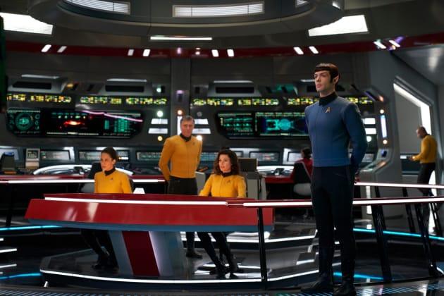 enterprise-bridge-crew-star-trek-discove