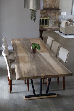 ROCKER TABLE