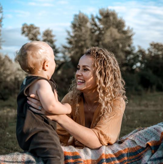 G&H-Motherhood-Family-Photographer-Bath-