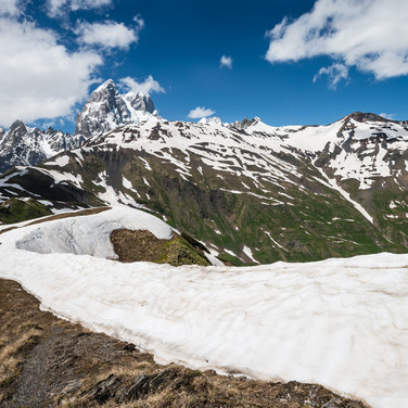 Вид на Ушбу от горы Гули Ushba mountain seen from Guli peak