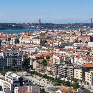 Центр Лиссабона, вид со стены крепости Сан-Джорджи (Св. Георгия) The centre of Lisbon seen from São Jorge Castle