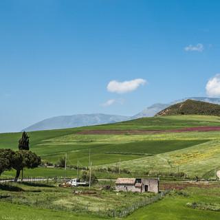 Весенний пейзаж, региональный природный парк Мадоние A spring landscape in Madonie Regional Natural park