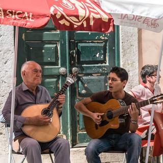 Исполнители фаду на улицах Лиссабона Fado performers in the streets of Lisbon