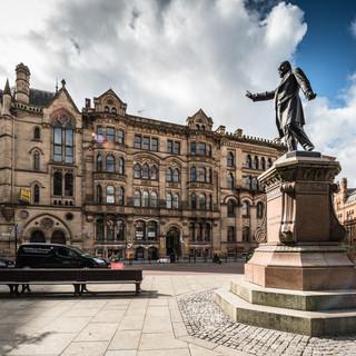 Викторианский Манчестер: памятник У.Э. Гладстону на площади Альберта Victorian Manchester: the monument to W.E.Gladstone in Albert Square