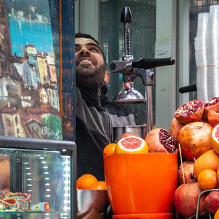 Продавец сока  Fresh juice seller