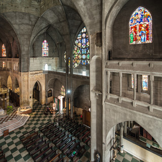 Внутри неоготического собора Манисалеса Inside neo-gothic Cathedral of Manizales