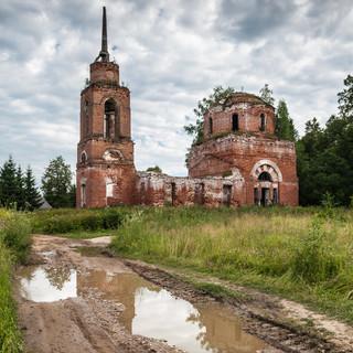 Воскресенская церковь в Купрово Resurrection church in Kuprovo in the southwest of Moscow region