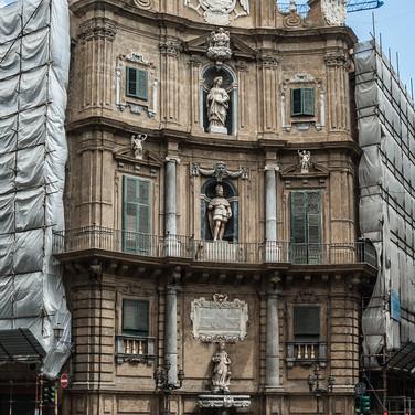 """Барочная площадь Кваттро Канти (""""Четыре угла"""") в Палермо In baroque square of Quattro Canti ('Four Corners') in Palermo"""