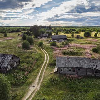 Покинутая деревня под Каргополем, Архангельская область  An abandoned village near Kargopol, Arkhangelsk region