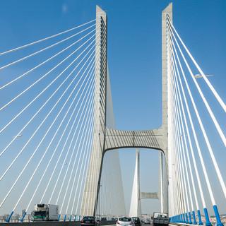 Опора моста Васко-да-Гама The pillar of Vasco de Gama bridge