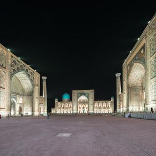 Площадь Регистан в ночной подсветке, Самарканд Registan quare in nightly illumination, Samarkand