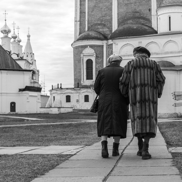 Прогулка в кремле, Рязань Walking in the Kremlin, the town of Ryazan, Russia