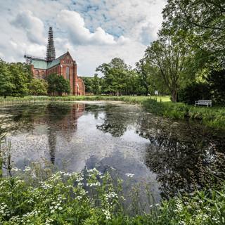 Доберанер Мюнстер, собор бывшего цистерцианского монастыря в Бад-Доберане, основанного в 1171 году Doberaner Münster, the remaining part of the ex-Cistercian Doberan Abbey, founded in 1171
